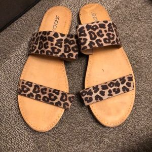 Size 8 woman's flat sandals with cheetah straps